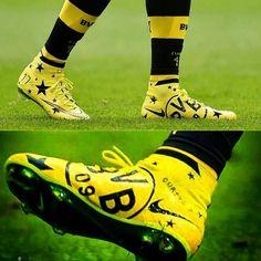 Amor a los colores, los botines que estrenó Aubameyang vs Schalke #BVB #Aubameyang
