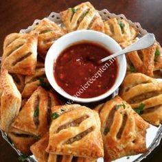 kippasteitjes Appetizer Recipes, Snack Recipes, Cooking Recipes, Healthy Recipes, Birthday Snacks, Snacks Für Party, Empanada, Yummy Snacks, Yummy Food
