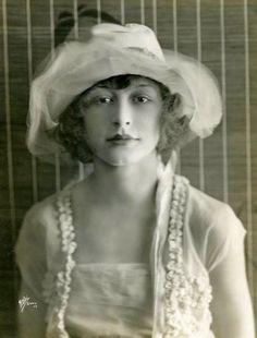 Legs Ada Dondini (1883-1958) nudes (55 photos) Pussy, Instagram, braless
