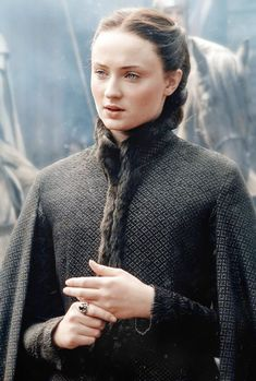 Sophie Turner as Sansa Stark in Game of Thrones Season 4 Game Of Thrones Sansa, Game Of Thrones Funny, Narnia, Sansa Stark Costume, Game Of Thrones Wallpaper, Game Of Trone, Medici Masters Of Florence, Game Of Thrones Costumes, A Dance With Dragons
