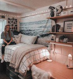 College Bedroom Decor, College Dorm Rooms, Girl College Dorms, College Dorm Stuff, College Hacks, College Life, College Students, Rooms Decoration, Dorm Room Decorations