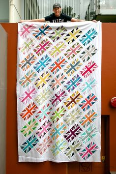 Union Jack Quilt with link to block tutorial | Molli Sparkles #quilt #sew #sacramento #meissnersewin