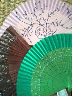 Quiero compartir lo último que he añadido a mi tienda de #etsy: Abanicos #regalo #evento #personalizado #madera #pintadoamano #personalizable #abanico #boda #accesorios #event #fan #evento #detalle #artesania #exclusivo http://etsy.me/2CB5Ns7