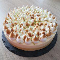 #nuage #citron #gateau Desserts Panna Cotta, Camembert Cheese, Dairy, Food, Decor, Coq Au Vin, Cloud Cake, Kitchen Modern, Lemon