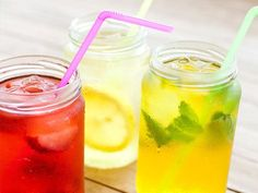 25 Flat Belly Sassy Water Recipes: Sip up, slim down http://www.prevention.com/food/cook/25-flat-belly-sassy-water-recipes?s=1