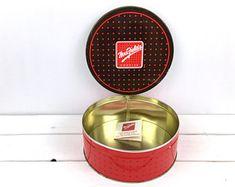 Home, Furniture & Diy Cake Tins Good Vintage Metal Upright Sitting Cat Cake Tin