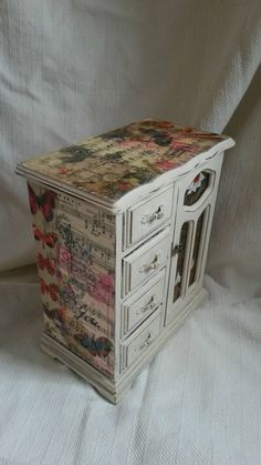 Check out this item in my Etsy shop https://www.etsy.com/uk/listing/481643395/shabby-chic-musical-jewellery-box-hand
