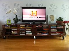 Amazing & Practical TV Set from Recycled Pallets TV Stand & Rack
