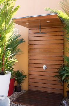 Discover a private place of paradise to clean up with the top 60 best outdoor shower ideas. Explore cool open and privacy enclosure designs. Outdoor Spaces, Outdoor Living, Outdoor Decor, Outdoor Bars, Outdoor Pool Shower, Outdoor Shower Enclosure, Outside Showers, Garden Shower, Outdoor Bathrooms