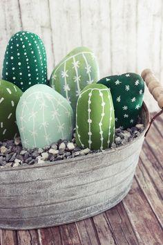 Kaktus Fever – {DIY} Stein Kakteen im Topf (s'Bastelkistle) Cactus Fever – {DIY} stone cactuses in the pot Cactus House Plants, Cactus Terrarium, Cactus Decor, Cactus Art, Cactus Drawing, Indoor Cactus, Cactus Flower, Cactus Pierre, Image Cactus