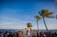 Wedding at the Postcard Inn Beach Resort | Islamorada, FL | Photography by Santy Martinez