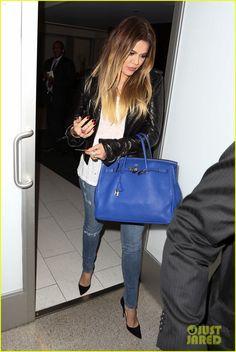 Kim & Khloe Kardashian Pack Up & Take Night Flights Out of LAX | kim khloe kardashian take night flights out of lax 03 - Photo