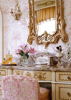 Darling, It's so ornate, but I love it. The pink flowers look lovely too, XOXO love.