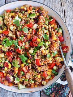 Meksikansk ris med grønnsaker og bønner Food Storage Containers, Quesadilla, Paella, Tapas, Nom Nom, Lunch Box, Food And Drink, Breakfast, Ethnic Recipes