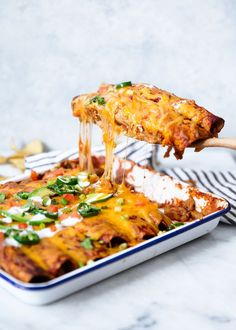 Skinny Chicken 5 Smart Points Enchiladas are perfect if you're an enchilada lover like me! As good as any recipe you'll find in a restaurant (if not better) only much lighter! Best Chicken Enchilada Recipe, Skinny Chicken Enchiladas, Enchilada Recipes, Enchilada Sauce, Skinny Chicken Recipes, Best Chicken Dishes, Best Chicken Recipes, Turkey Recipes, Mexican Food Recipes