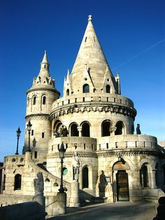 The Fisherman's Bastion (Halászbástya) in Budapest This just screams fairytale setting--a home for gnomes or sprites. Amazing Architecture, Art And Architecture, Architecture Details, Wonderful Places, Beautiful Places, Romanesque Architecture, Château Fort, Place Of Worship, Old Buildings