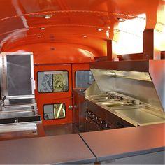 Schoolbus / Foodtruck: Roka Werk GmbH – Mobile Systeme für die Gastronomie | Imbissanhänger Verkaufsanhänger Grillanhänger Schankwagen Promotionanhänger