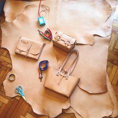 #Annoni #AnnoniBags #BuenosAires #Argentina #MaluBag #Tombag #MacBookPortfolio #MacBook #Apple #Handmade #Leatherwork #Canada #worldwideshipping Casi todo listo! En un rato rumbo a Canada! ✈