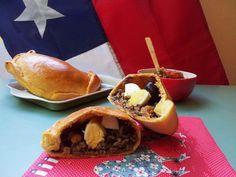 Empanadas de pino al horno - Fran is in the Kitchen Chilean Recipes, Chilean Food, Empanadas Recipe, Saveur, Cheesesteak, Recipies, Tacos, Easy Meals, Dinner Recipes