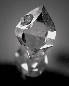 Quartz (var. Herkimer Diamond) - Middleville, Herkimer Co., New York  mw