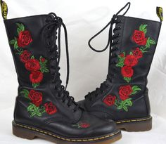 cd63cb68a094e Dr Martens Vonda Black Leather Boots Floral Rose 14 Eye SZ 8 Vamp Goth Rock  Punk