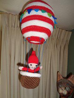 Deze luchtballon heb ik gemaakt uit boek Amigurumi Winter Wonderland.
