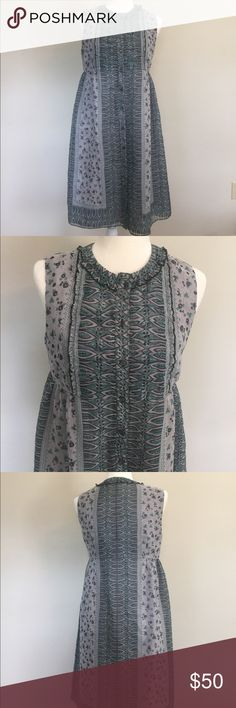 Anna Sui Anthropologie Silk Floral Dress Size 6 Beautiful, unique details; great condition; size is 6 but would fit a smaller-busted size 8 Anna Sui Dresses