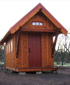 Rustic Exterior by Other Metro Architects & Building Designers Tumbleweed Tiny House Company August is the month in which half the world takes to the Tiny House Movement, Style At Home, Tumbleweed Tiny Homes, Tiny Studio Apartments, Little Houses, Tiny Houses, Dream Houses, Tiny House Company, Rustic Exterior