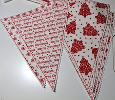 Beautiful Christmas bunting Christmas Crafts To Make, Christmas And New Year, Christmas Ideas, Merry Christmas, My Favorite Color, My Favorite Things, Christmas Bunting, Beautiful Christmas, Garlands