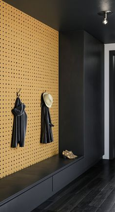 Ideas for wall paper modern bedroom bathroom Black Interior Design, Contemporary Interior Design, Luxury Home Decor, Luxury Homes, Design Hall, Halls, Hallway Designs, Modern Wallpaper, Wallpaper Ideas