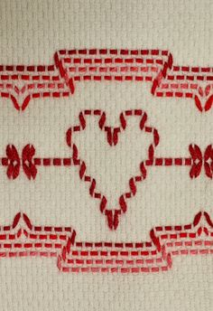 Huck Weaving or Swedish Embroidery Swedish Embroidery, Towel Embroidery, Embroidery Patterns Free, Loom Patterns, Embroidery Stitches, Cross Stitch Patterns, Cross Stitches, Free Swedish Weaving Patterns, Huck Towels