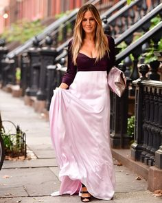 """1,008 Likes, 5 Comments - @carriebradshaw_sexandthecity on Instagram: """" #sarahjessicaparker #carriebradshaw"""""""