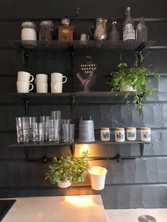 diy kitchen shelf, kitchen without cabinets, avohylly keittiössä, keittiö ilman yläkaappeja, diy hyllykkö