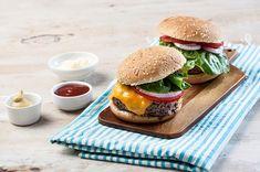 Συνταγές Μαγειρικής της Αργυρώς   Argiro.gr Food Categories, Salmon Burgers, Hamburger, Cooking Recipes, Homemade, Ethnic Recipes, Foods, Image, Collection