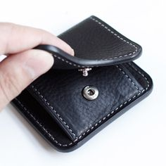 Leather, bags etc. Minimalist Leather Wallet, Leather Wallet Pattern, Leather Working, Sunglasses Case, Coins, Coin Purse, Pocket, Purses, Leather Crafts