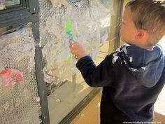 outdoor sensory play preschoolers shaving cream bubble wrap experimentation activity 2