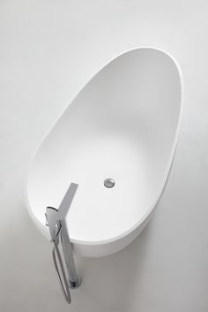 innoci oval freestanding bathtub