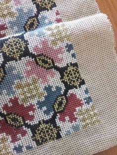 Cross Stitch Pillow, Cross Stitch Charts, Cross Stitch Patterns, Ribbon Embroidery, Cross Stitch Embroidery, Embroidery Patterns, Needlepoint Pillows, Stitch 2, Cross Stitching