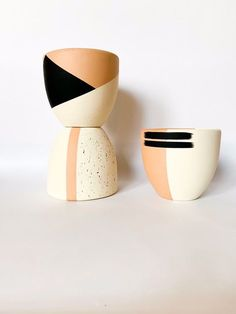 Hand Painted Natural White Cream, Black Abstract Stripe Terra Cotta Planter // Spanish Buffed Terracotta Drainage Pot Handmade Modern Pl - Hobbies paining body for kids and adult Pottery Painting, Ceramic Painting, Diy Painting, Painting Clay Pots, Painting Terracotta Pots, Stone Painting, Diy Ceramic, Ceramic Pots, Painted Plant Pots