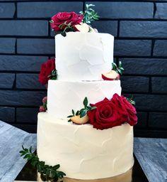 Свадебный торт 8кг с живыми цветами