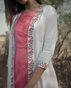 Peach Solid Inner With White Lurex Cape with Embroidery : Peach Solid Inner With White Lurex Cape with Embroidery Dress Neck Designs, Designs For Dresses, Blouse Designs, Kurti Sleeves Design, Kurta Neck Design, Churidar Designs, Kurta Designs Women, Kurti Embroidery Design, Embroidery Suits