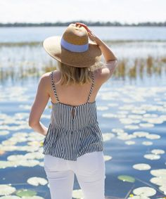 Blogger Ashley Brooke Designs in Straw Hat | www.ashleybrookedesigns.com