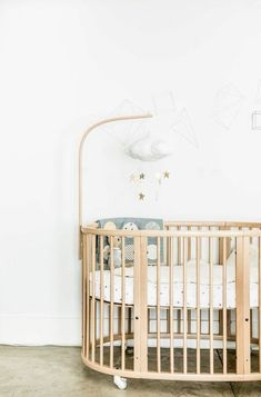 Evolving bed by Stokke | Photo: apartment34.com