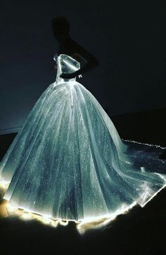 Claire Danes wearing Zac Posen fiberoptic gown at Met Gala 2016