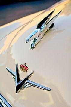 Hoodie Photograph - 1953 Chrysler Imperial Custom Hood Ornament by Jill Reger Custom Hood Ornaments, Car Hood Ornaments, Retro Cars, Vintage Cars, Antique Cars, Car Badges, Car Logos, Hot Rods, Car Bonnet