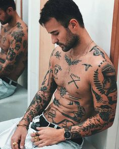 tattoo sleeve men old school / tattoo sleeve men ; tattoo sleeve men old school ; Dope Tattoos, Trendy Tattoos, Black Tattoos, Body Art Tattoos, Sleeve Tattoos, Tatoos, Small Chest Tattoos, Chest Tattoos For Guys, Small Tattoos Men