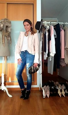 """Day four of the """"essential wardrobe to the test"""" challenge! I hope you like it and thanks for following. Have a fabulous #weekend! Love, Raquel.  #LiveLoveLaugh #Challenge #ootd #challengeyourself"""