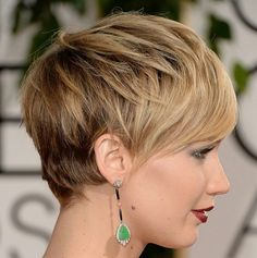 стрижка пикси удлиненная на средние волосы