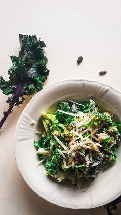 Salata cu kale si brocoli (ovo-lacto) | Food Fairy