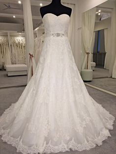 Bridal Dresses, Wedding Gowns, Budapest, Insta Pic, Dream Wedding, Flower Veil, Lace Bride, Instagram Posts, Happiness